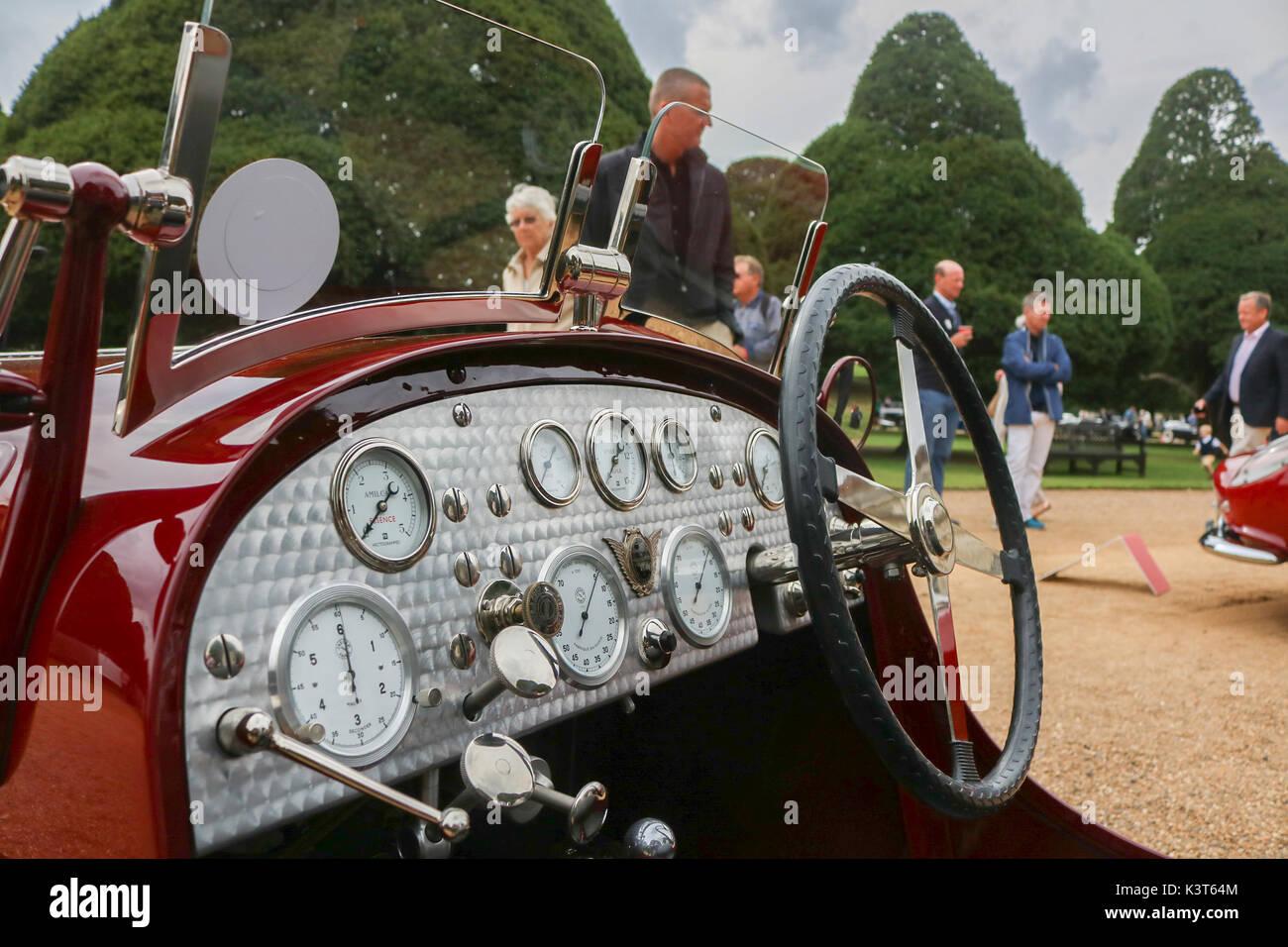 Londra Regno Unito. Il 3 settembre 2017. una collezione 60 dei rarissimi classic autovetture provenienti da tutto il mondo sul display al Concours de eleganza a Hampton Court Palace. Credito: amer ghazzal/alamy live news Foto Stock