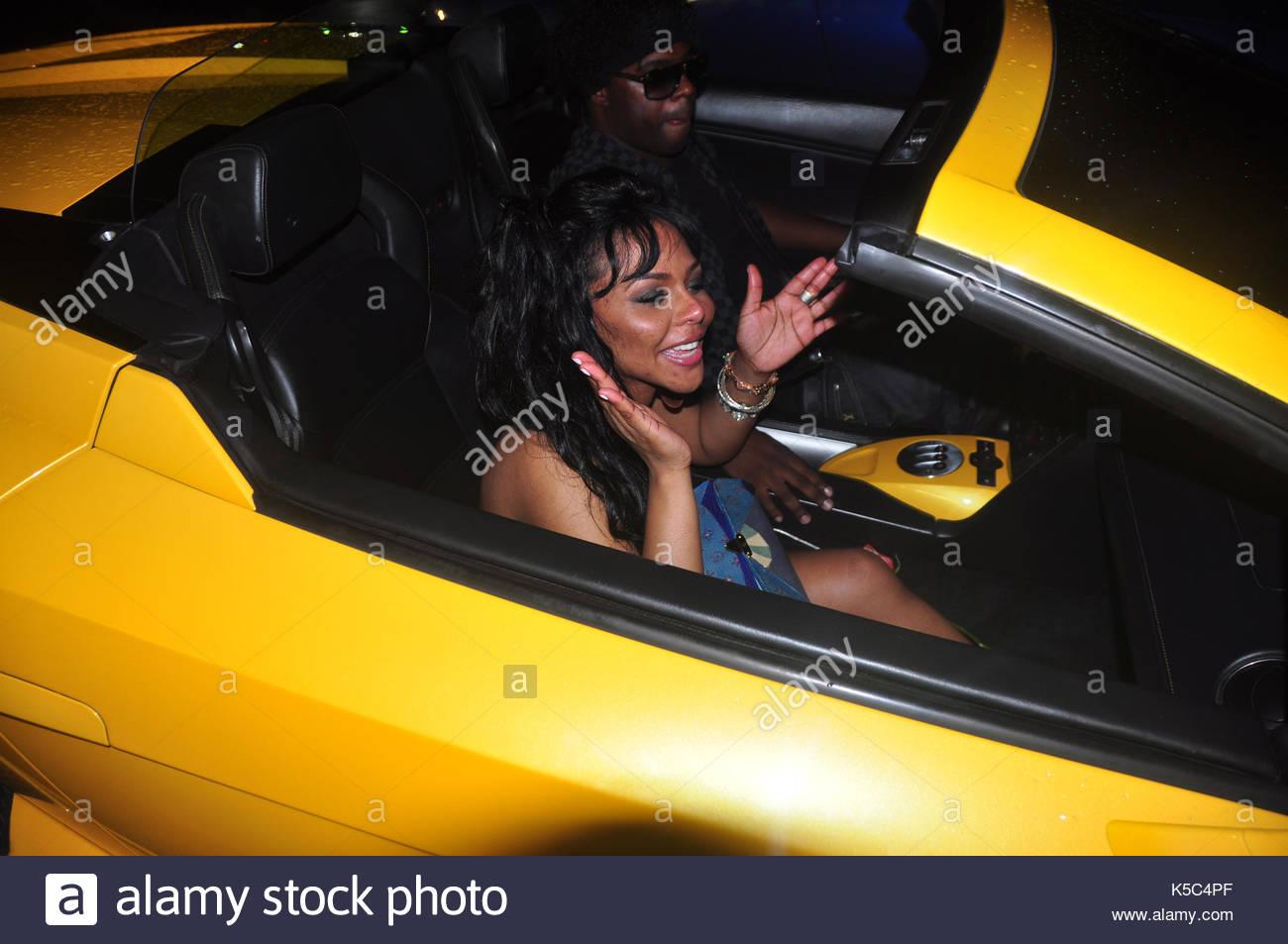 Lil Kim. lil' kim è raffigurato in her private festa di compleanno al club  mansion di South Beach. ella è arrivata in corrispondenza di 2:30am e  lasciato a ...