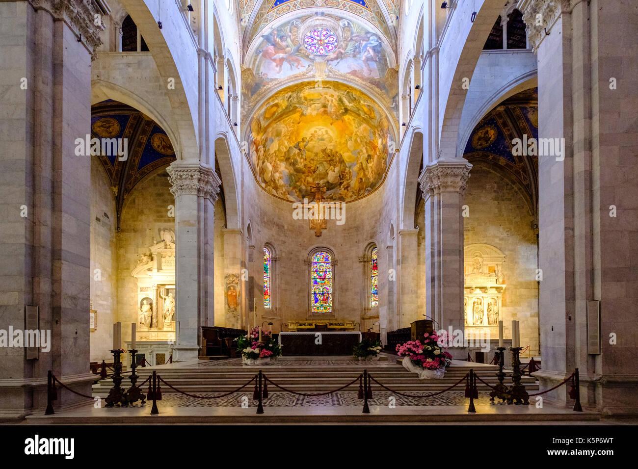 All Interno Della Cattedrale Di Lucca Duomo Di Lucca Cattedrale Di San Martino Foto Stock Alamy