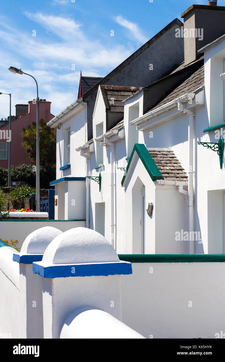 Case A Due Piani piccolo blu e bianco lucido a due piani tipo bungalow case