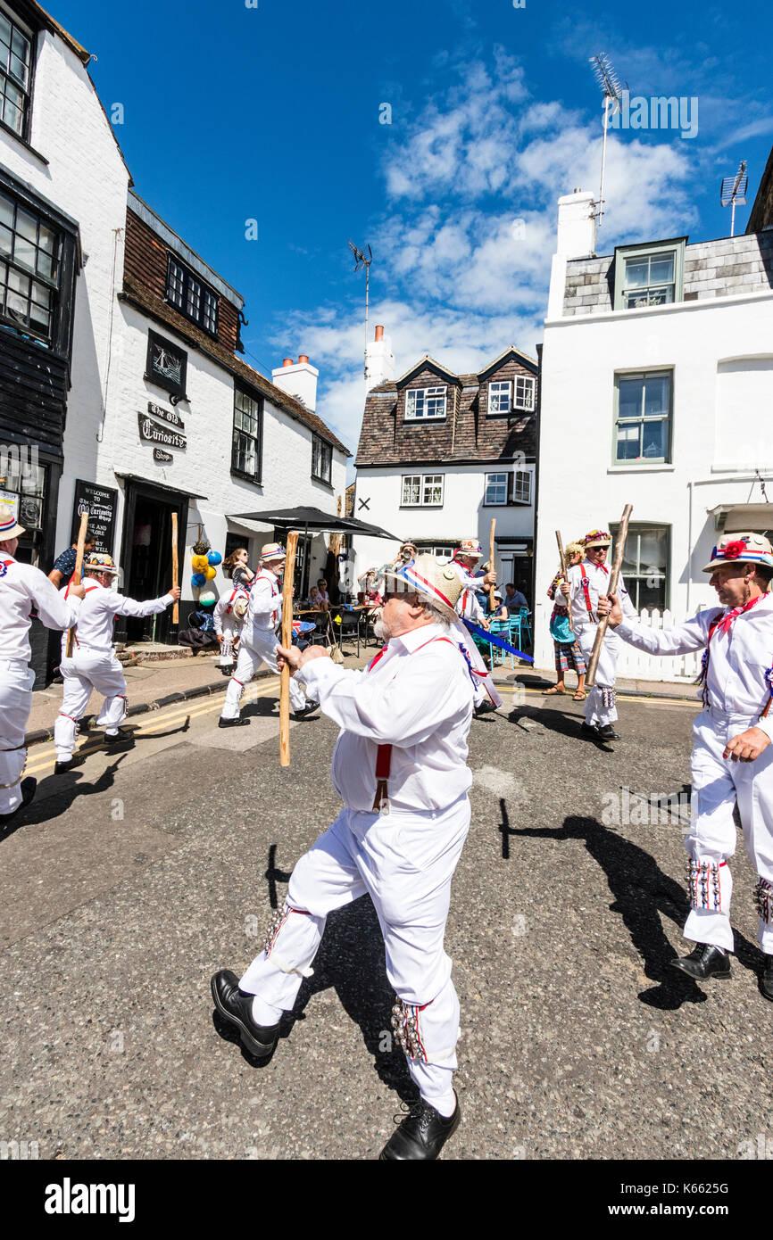 prezzo di strada economico in vendita sconto del 50 Hartley Morris ballerini, in pantaloni bianchi e camicie ...