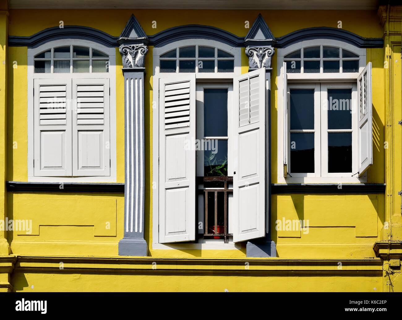 Singapore Tradizionale Negozio Casa Esterno Con Finestre Ad Arco In