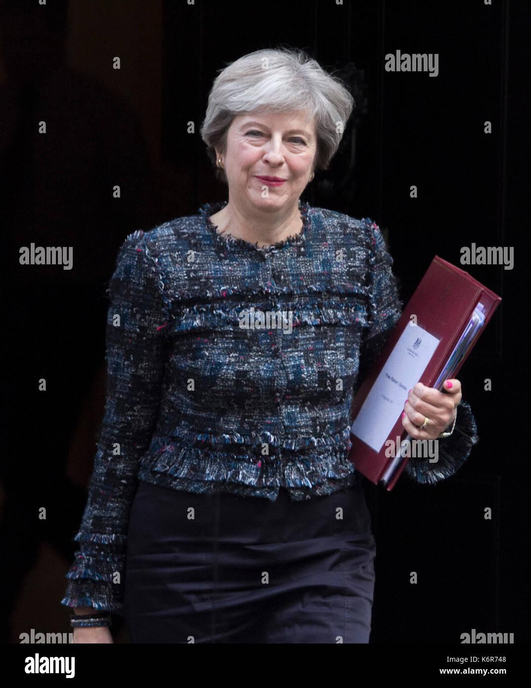 Londra, Regno Unito. Xiii Sep, 2017. Il Primo Ministro inglese Theresa Maggio non lascia10 a Downing Street per il settimanale (PMQ's )Primi Ministri domande al Parlamento europeo Credito: amer ghazzal/Alamy Live News Foto Stock
