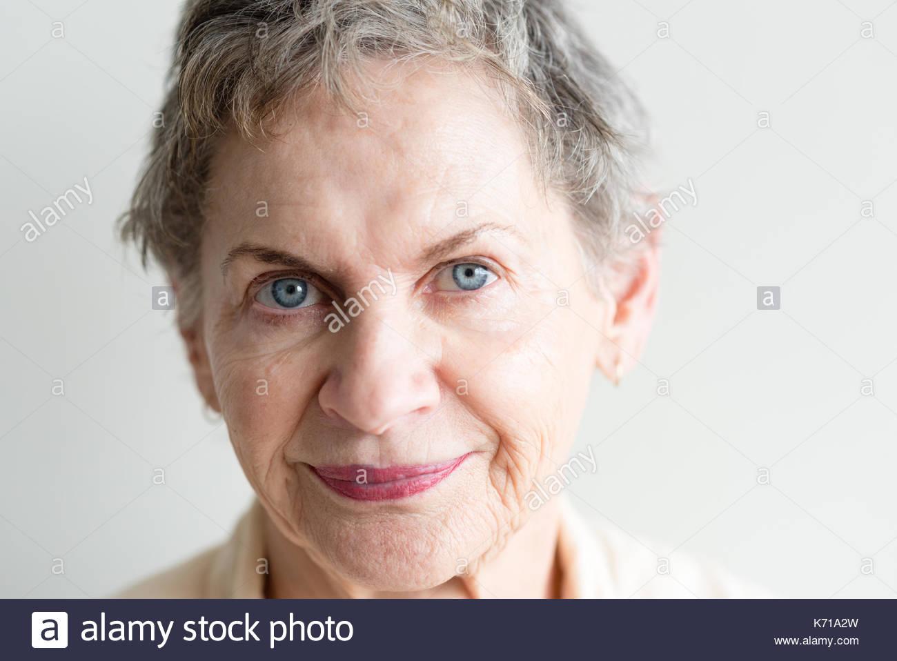Capelli corti donne anziane