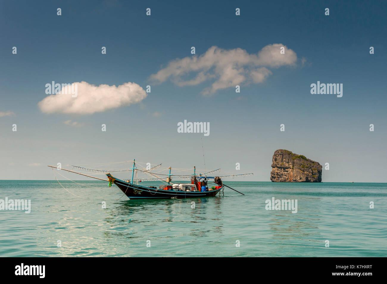 Barca da pesca, parco nazionale marino di Ang Thong, Thailandia Immagini Stock