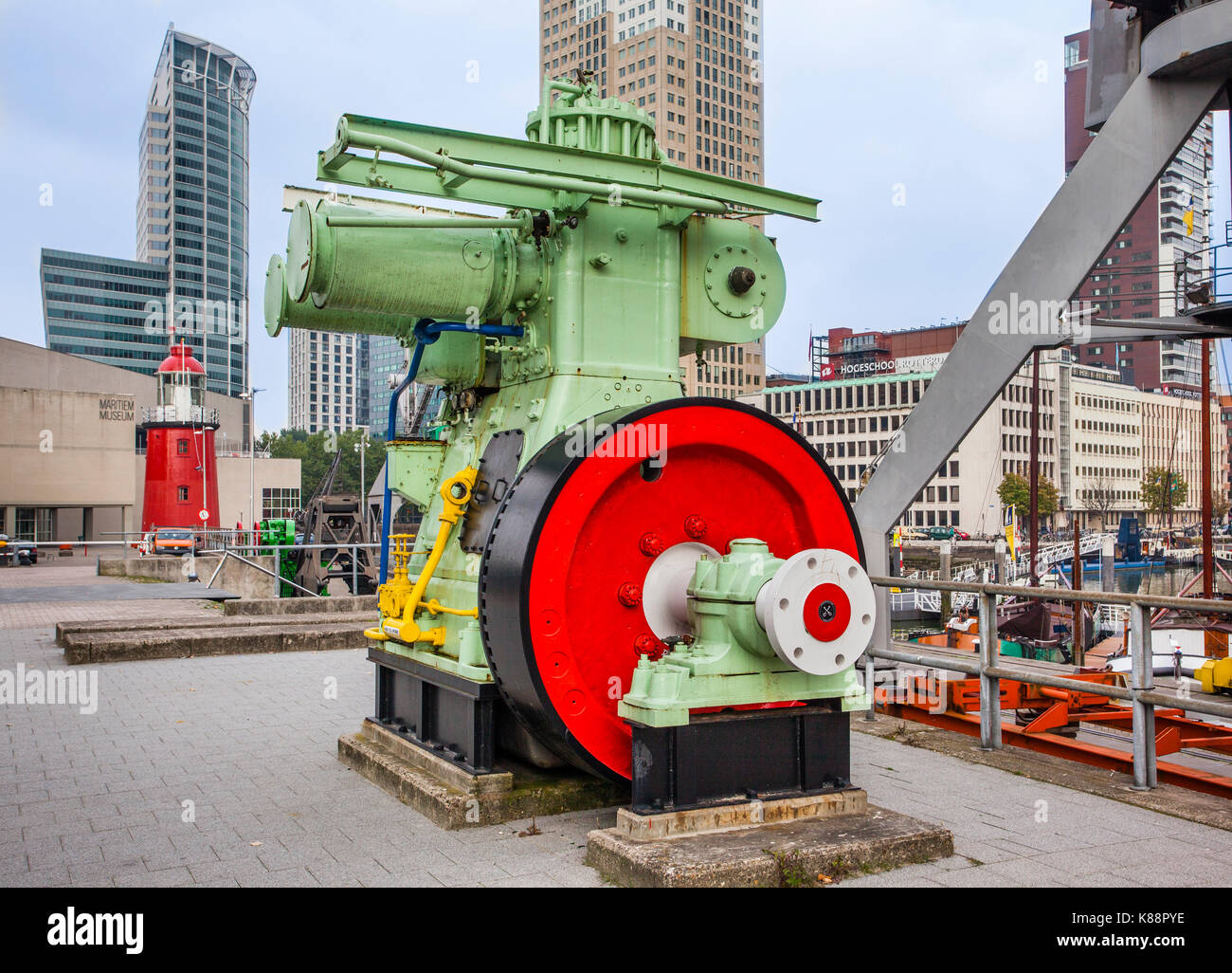 Paesi Bassi, South Holland, Rotterdam, Leuvehaven, macchinari storico presso il Museo Marittimo di porto Immagini Stock