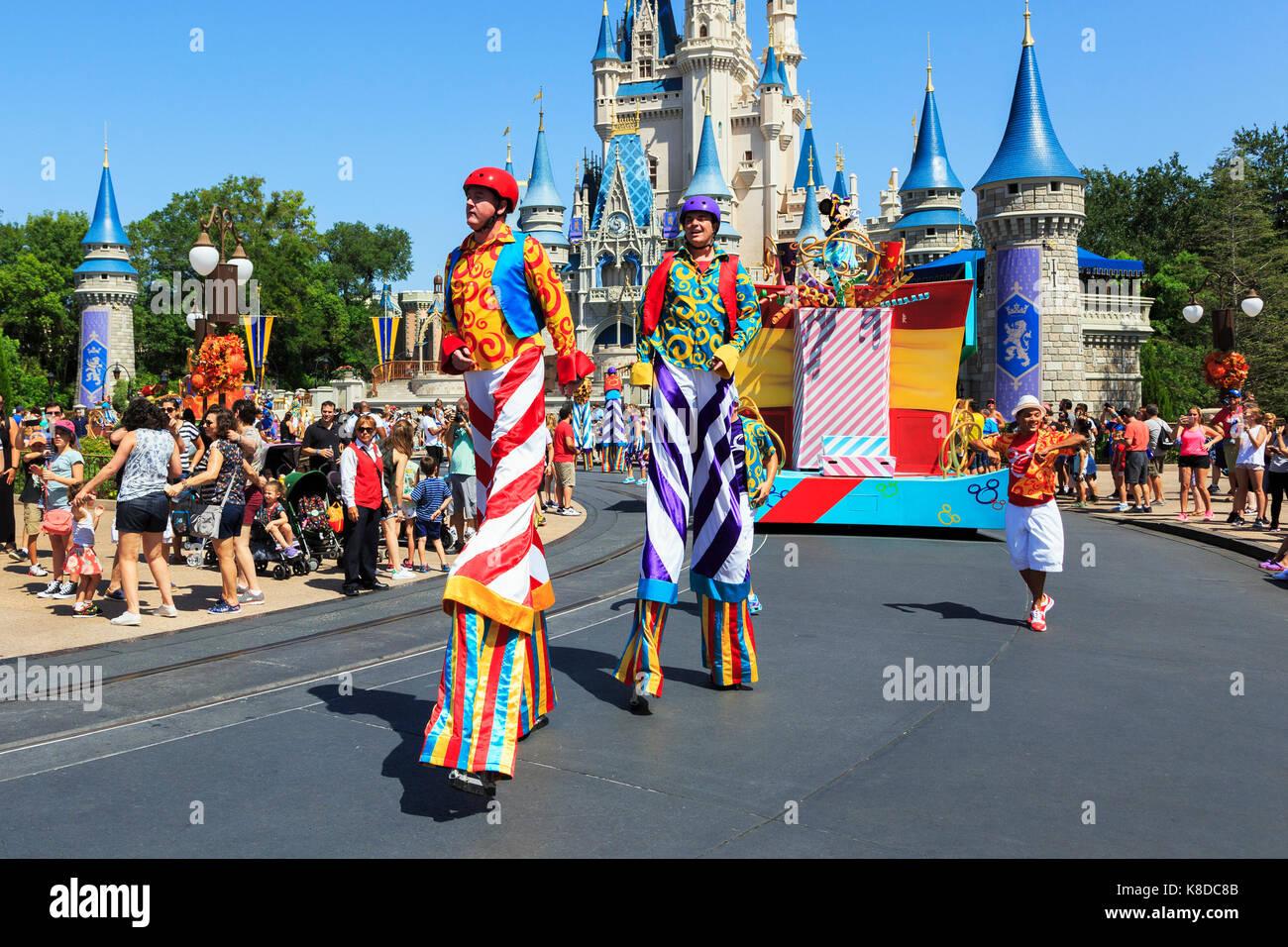 Spettacoli di strada di Walt Disney, il Parco a Tema del Regno Magico, Orlando, Florida, Stati Uniti d'America Immagini Stock