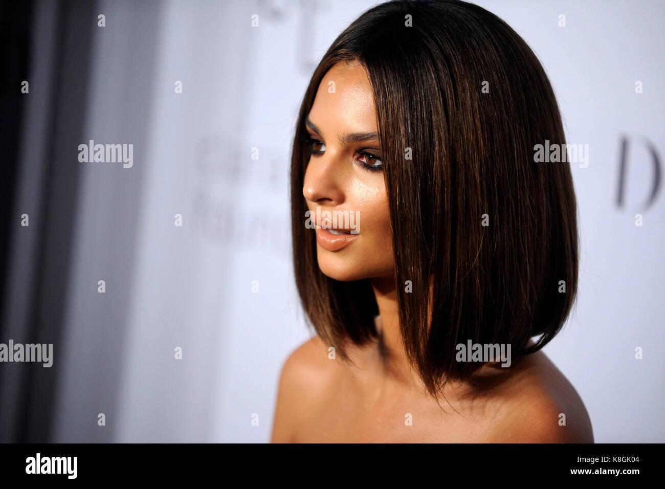 Emily Ratajkowski partecipa al 3° ballo Diamond annuale di Rihanna, a beneficio della Clara Lionel Foundation a Foto Stock
