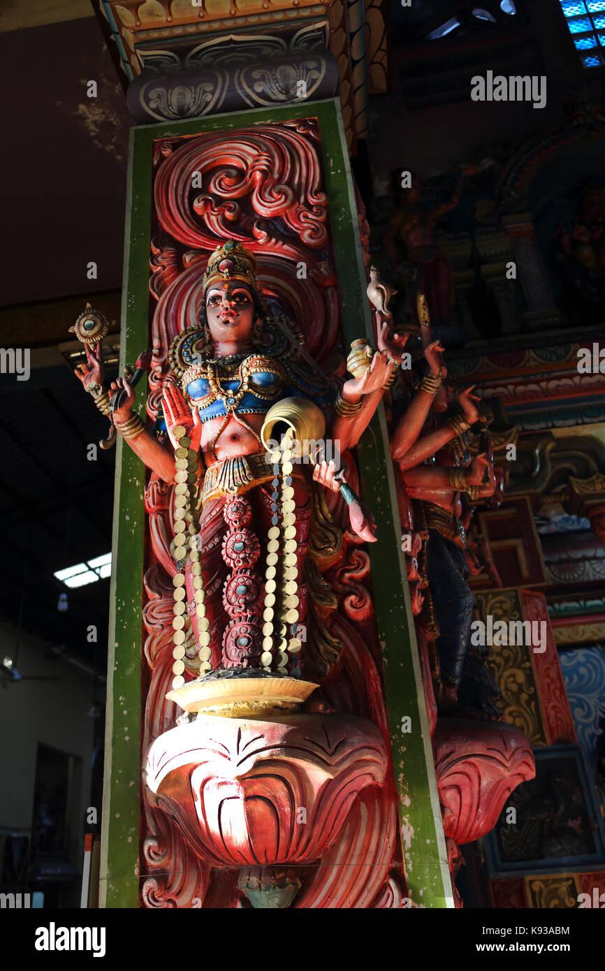 Pettah Colombo Sri Lanka nuovo Kathiresan Kovil tempio dedicato al dio della guerra Murugan statua Lakshmi dea Indù Immagini Stock