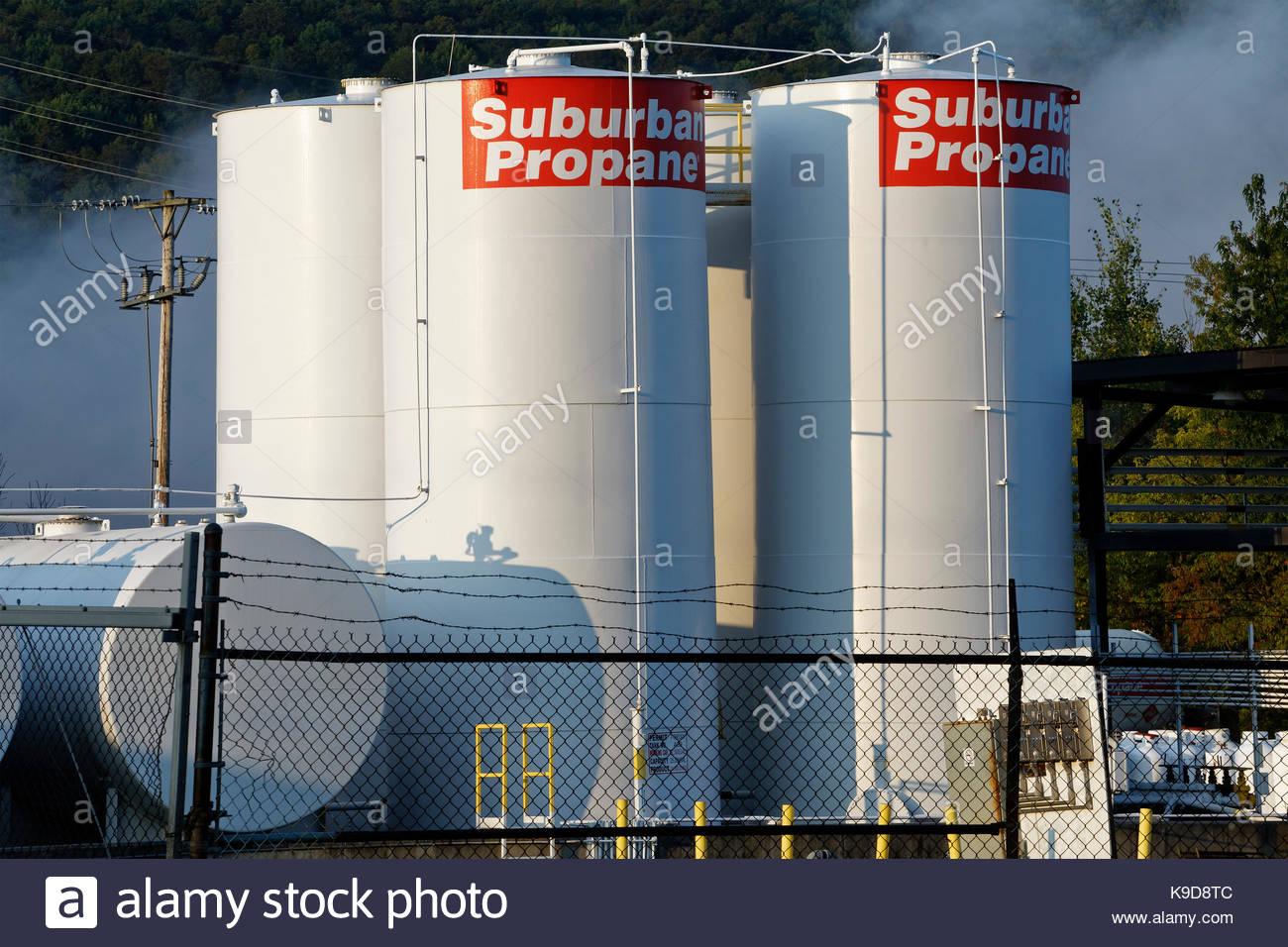 Propano serbatoi di stoccaggio, New York, Cortland, NY, STATI UNITI D'AMERICA Immagini Stock