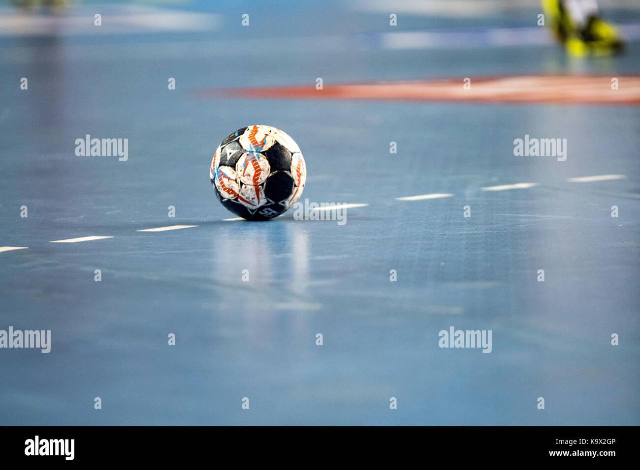 Leon, Spagna. 24 Settembre, 2017. La sfera della partita durante la partita di pallamano di 2017/2018 EHF Champions Immagini Stock