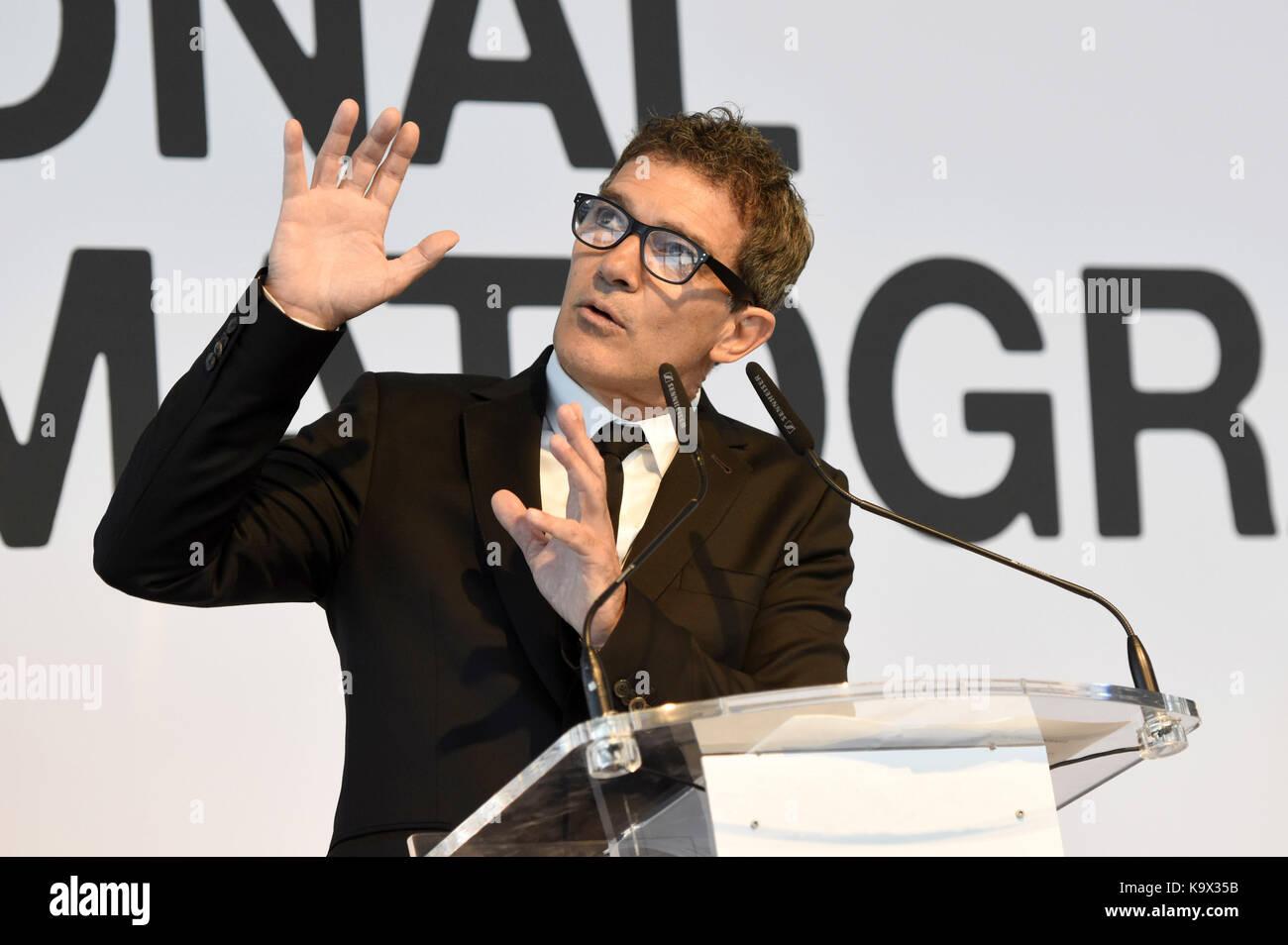 San sebastian, Spagna. 23 Sep, 2017. Antonio Banderas riceve il cinema nazionale premio durante il sessantacinquesimo Foto Stock