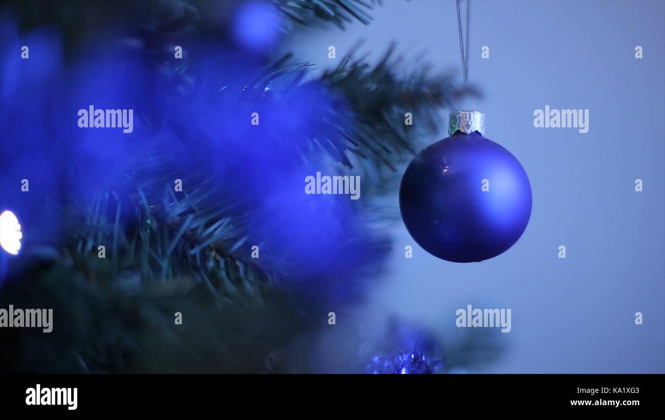 Decorazioni Albero Di Natale Blu : Nuovo anno di giocattoli su albero di natale come simbolo del