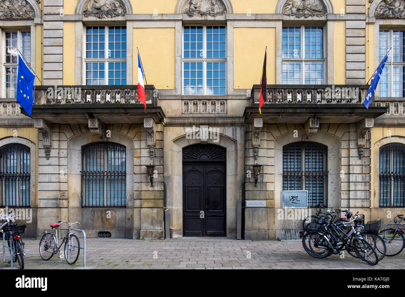 Ufficio In Tedesco : Berlin mitte antico edificio storico alloggiamento tedesco