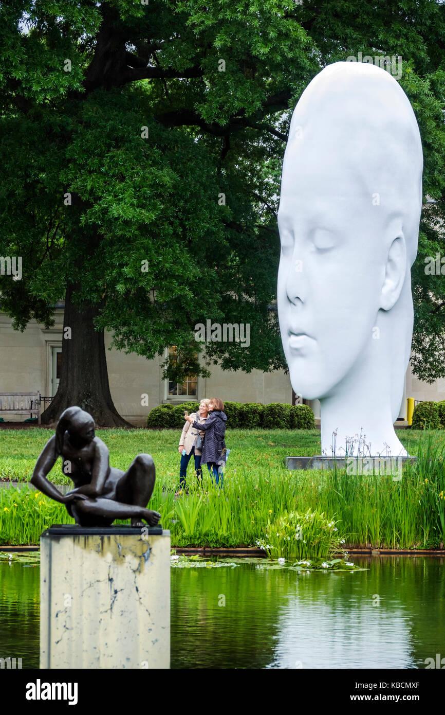Richmond Virginia Virginia il Museo delle Belle Arti VMFA Robins Sculpture Garden Jaume da Plensa a grande scala Immagini Stock