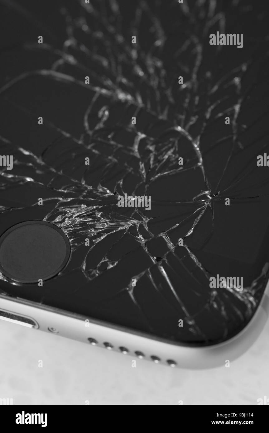 294852c1ad3 Dropped Iphone Immagini & Dropped Iphone Fotos Stock - Alamy