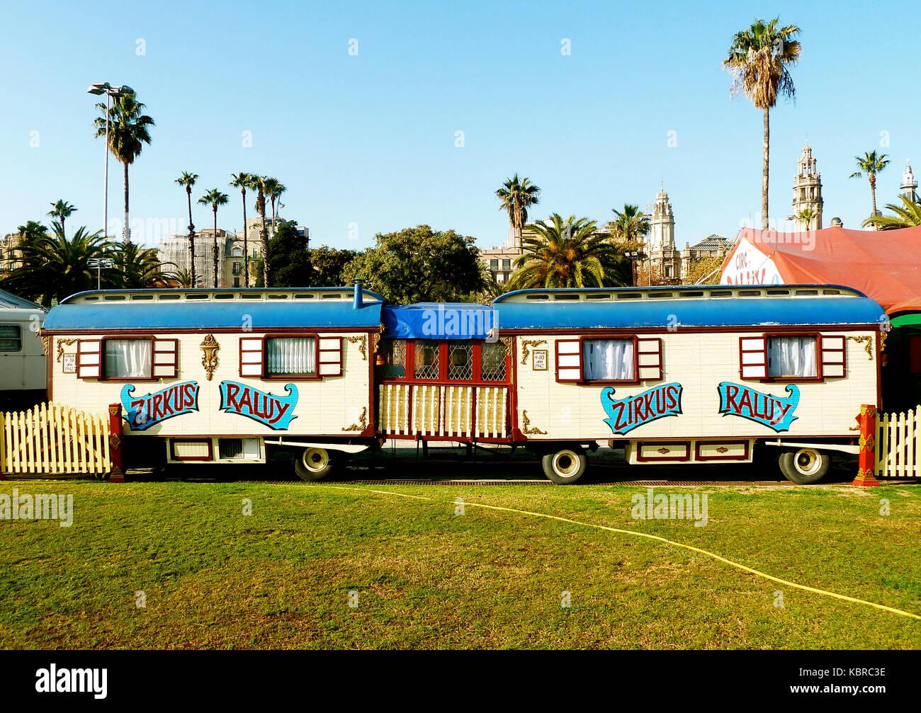 Barcellona - Spagna, 12.26.2012 Circo Raluy roulotte durante il loro ...