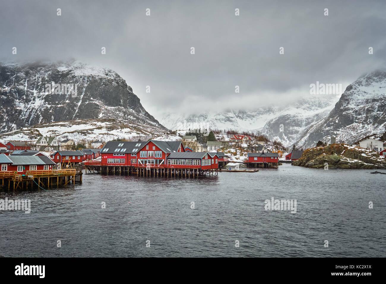 Un villaggio sulle isole Lofoten in Norvegia Foto Stock