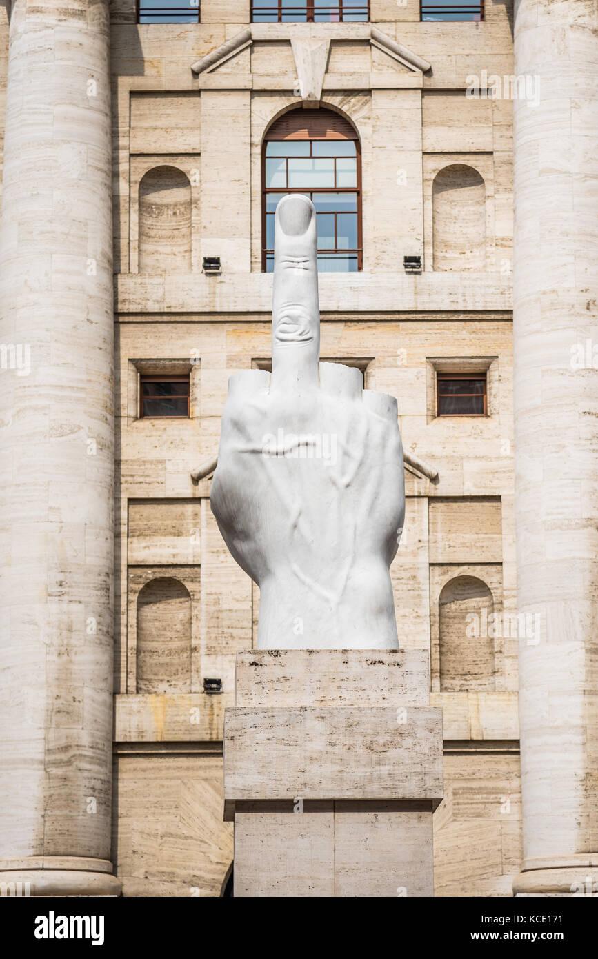 0fe0c73806 Statua di Borsa di Milano Foto & Immagine Stock: 162577493 - Alamy