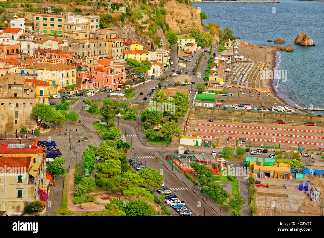 Vietri Sul Mare, Salerno, all'estremità orientale della Costiera Amalfitana in Italia meridionale. Immagini Stock