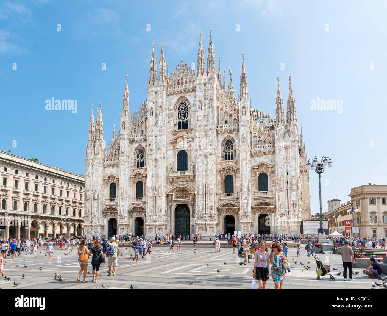 Duomo di Milano da Piazza del Duomo, Milano, Lombardia, Italia Immagini Stock