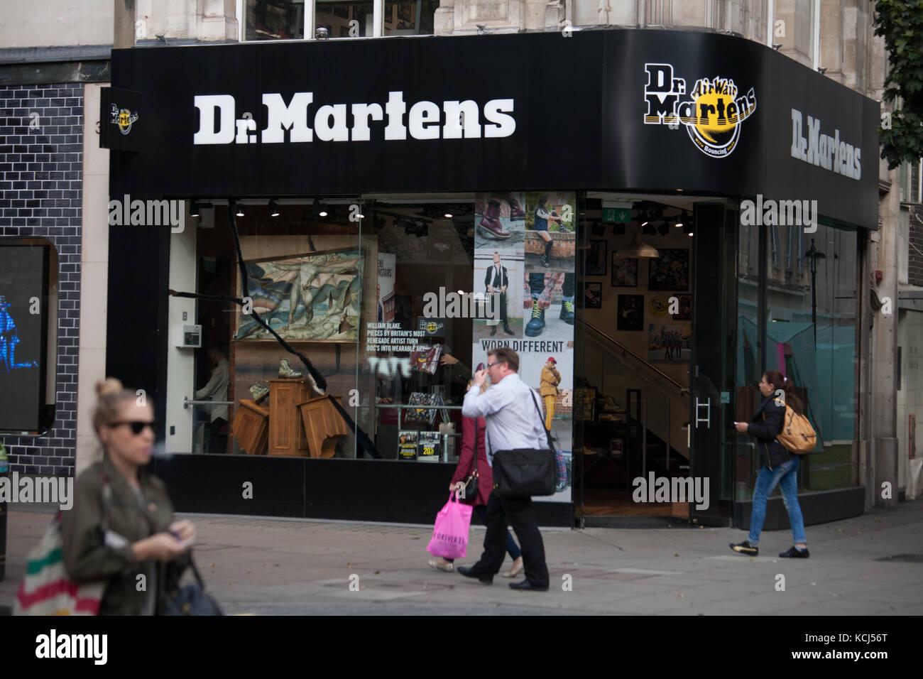 official photos 82fa7 db00e dr martens londra costo