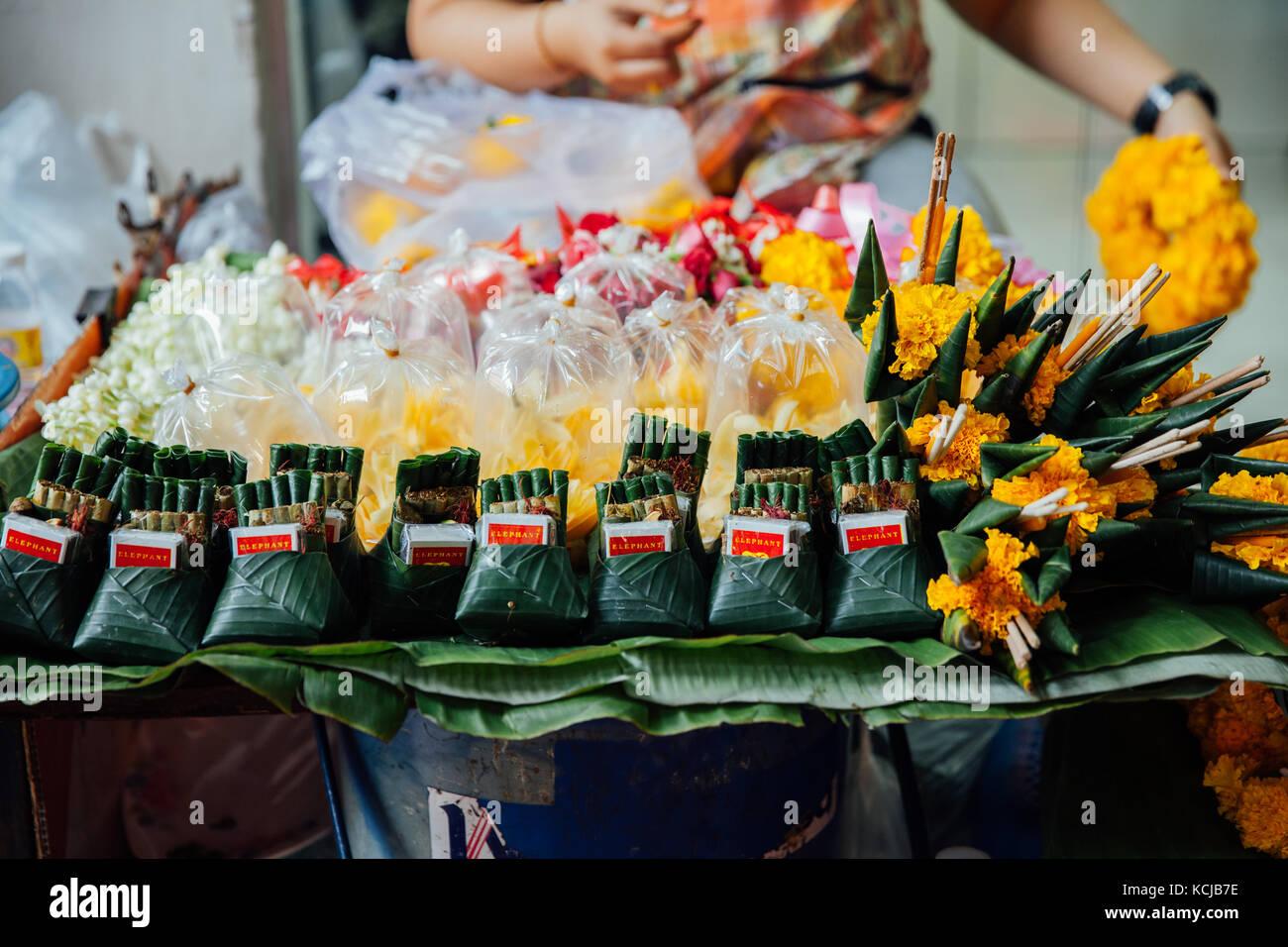 Chiang Mai, Thailandia - agosto 27, 2016: un offerte in stallo il mercato warorot il 27 agosto 2016 a Chiang Mai, Immagini Stock