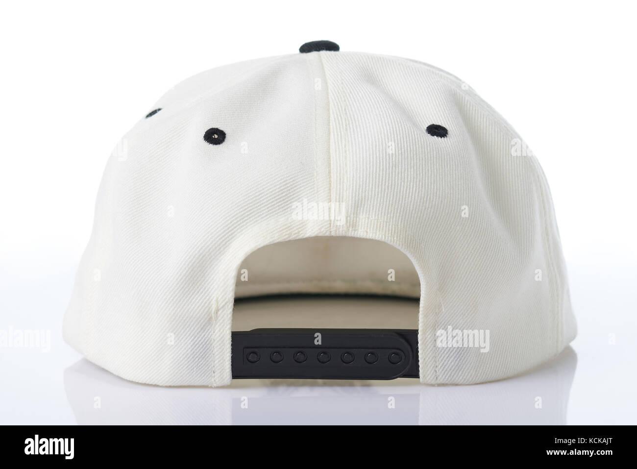 Vista posteriore del cappello da baseball isolati su sfondo bianco ... 2d3035e0a1be