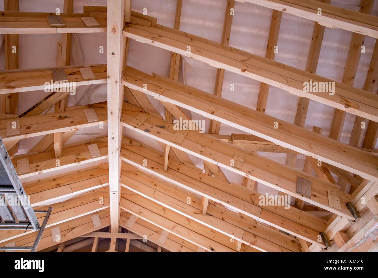 Vista Interna Di Un Tetto In Legno Struttura Foto Immagine Stock