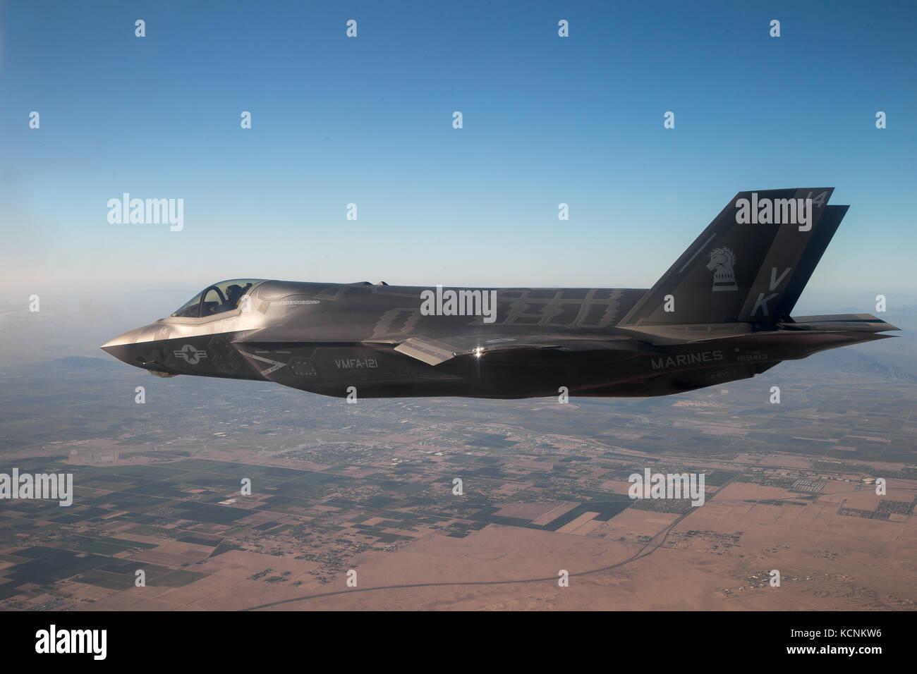 Un U.S. Marine Corps F-35B Lightning II assegnato al Marine armi di aviazione e le tattiche di uno squadrone (MAWTS-1) Foto Stock