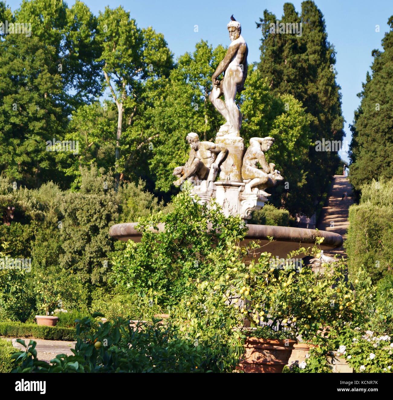 Giardino Orticoltura Firenze: Fontana Dell'oceano Nel Giardino Di Boboli Firenze Toscana