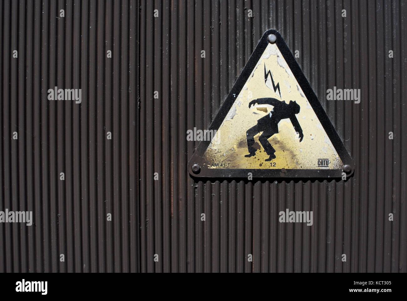 Segno di pericolo di morte per scossa elettrica. elettricità, Immagini Stock