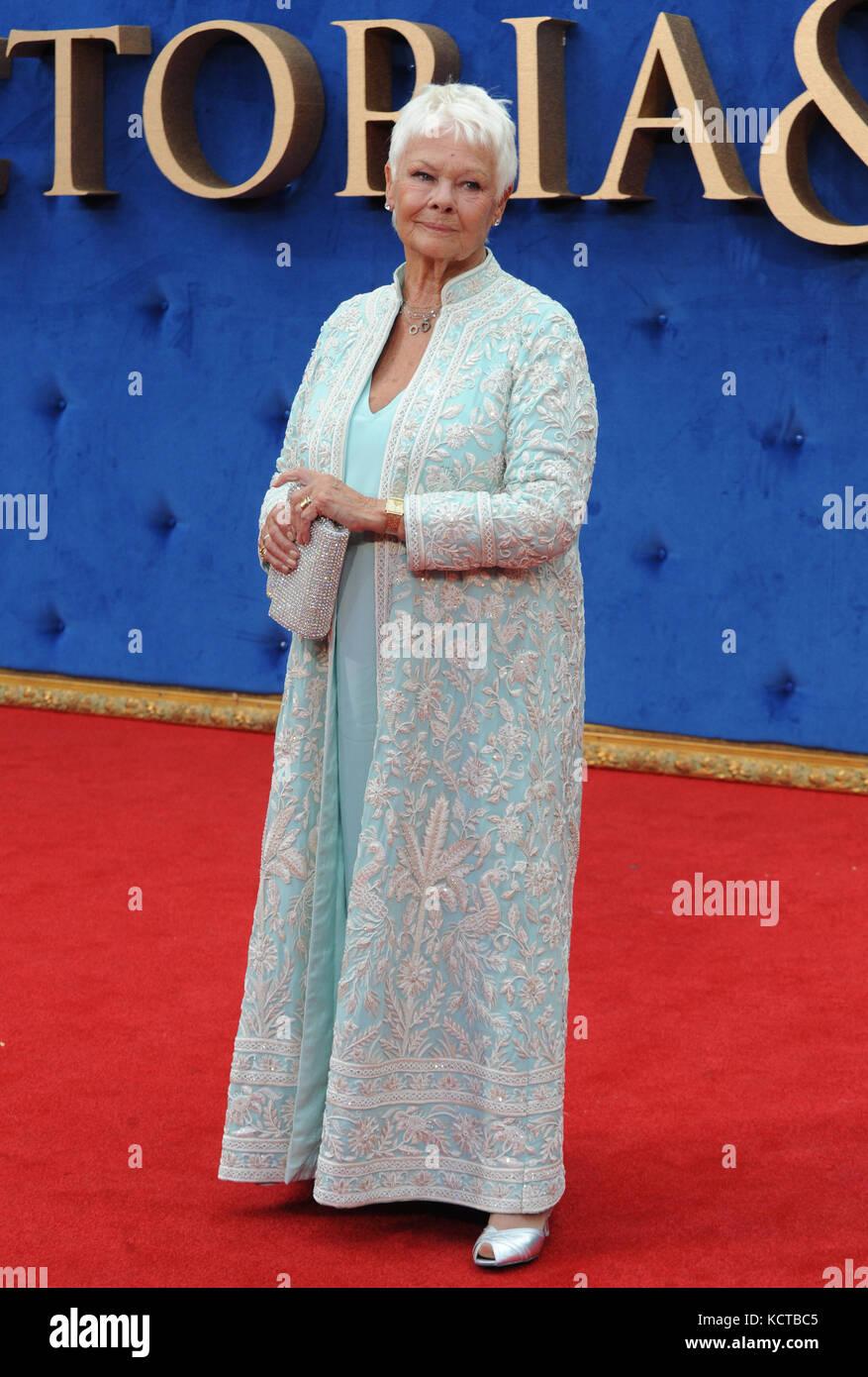 """Il Regno Unito premiere di 'Victoria & abdul"""" tenutasi presso l' odeon leicester square offre: Dame Judi Dench dove: Foto Stock"""