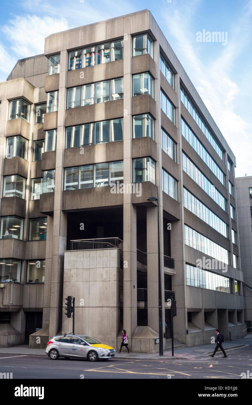Casa di tenuta, 1 Swan Lane, Città di Londra. Settanta anni settanta architettura. La strada di Upper Thames Immagini Stock