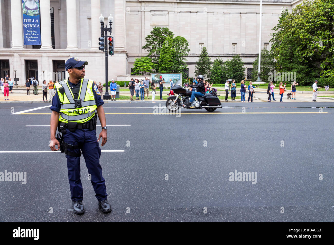 Washington DC, District of Columbia, Constitution Avenue, Rolling Thunder Ride for Freedom, motociclisti biciclette, Foto Stock
