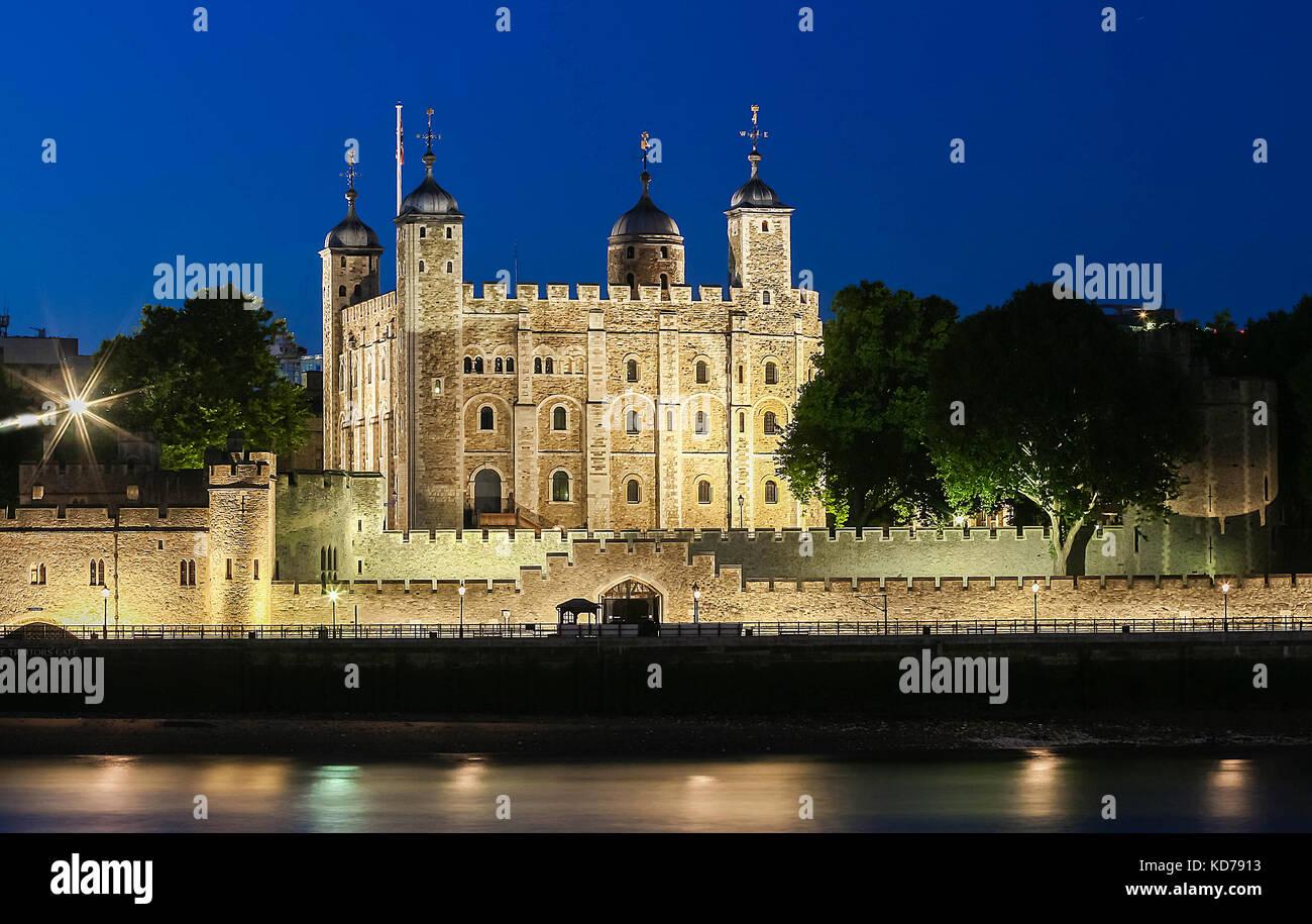 La torre di Londra di notte, Regno Unito. Immagini Stock