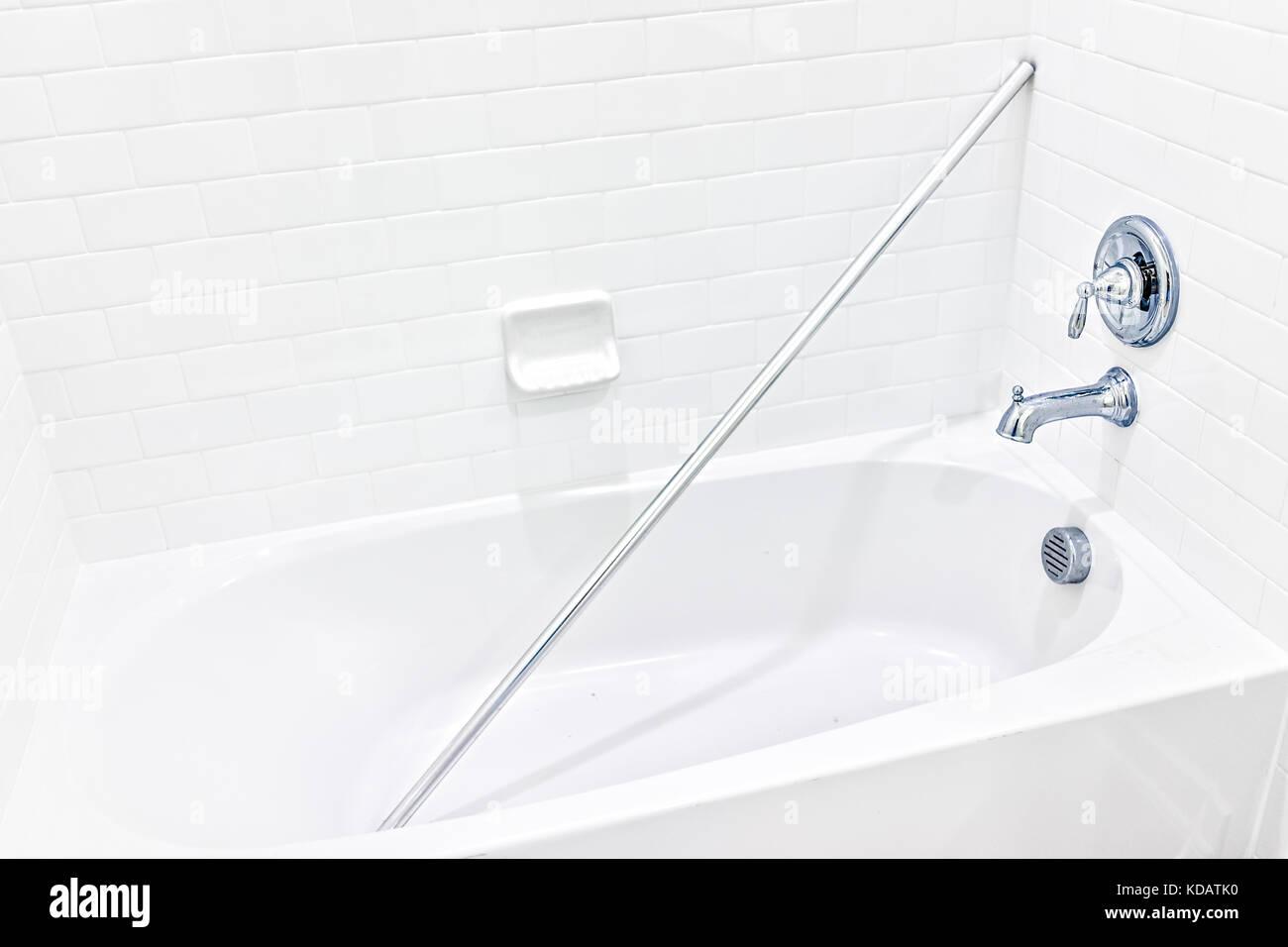 Vasca Da Bagno Nuova : Primo piano della nuova incompiuta bianco moderno doccia