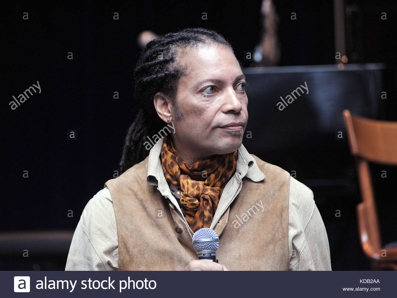 Sananda Maitreya Precedentemente Noto Come Terence Trent D Arby Presenta Il Nuovo Album Prometheus And Pandora Milano 11 10 2017 Foto Stock Alamy