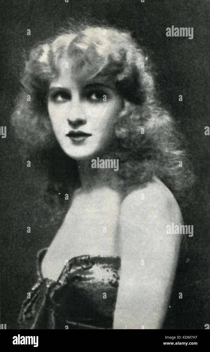 Suhasini,Andrea Kelly (actress) XXX images Peter Sellers (1925?980),Trish Van Devere