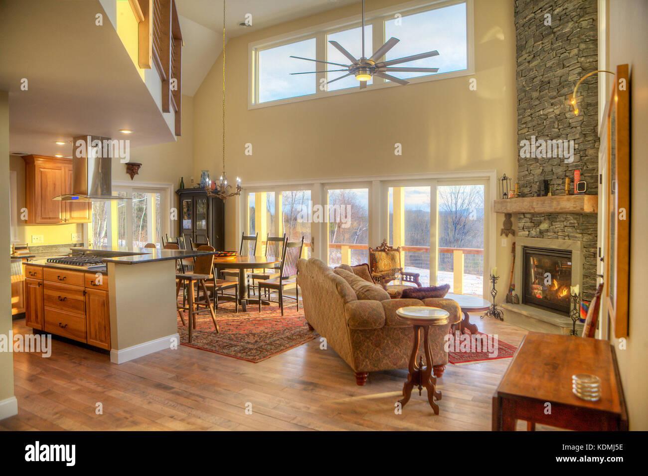 Moderno Elegante Soggiorno Con Cucina Adiacente Sala Da Pranzo E