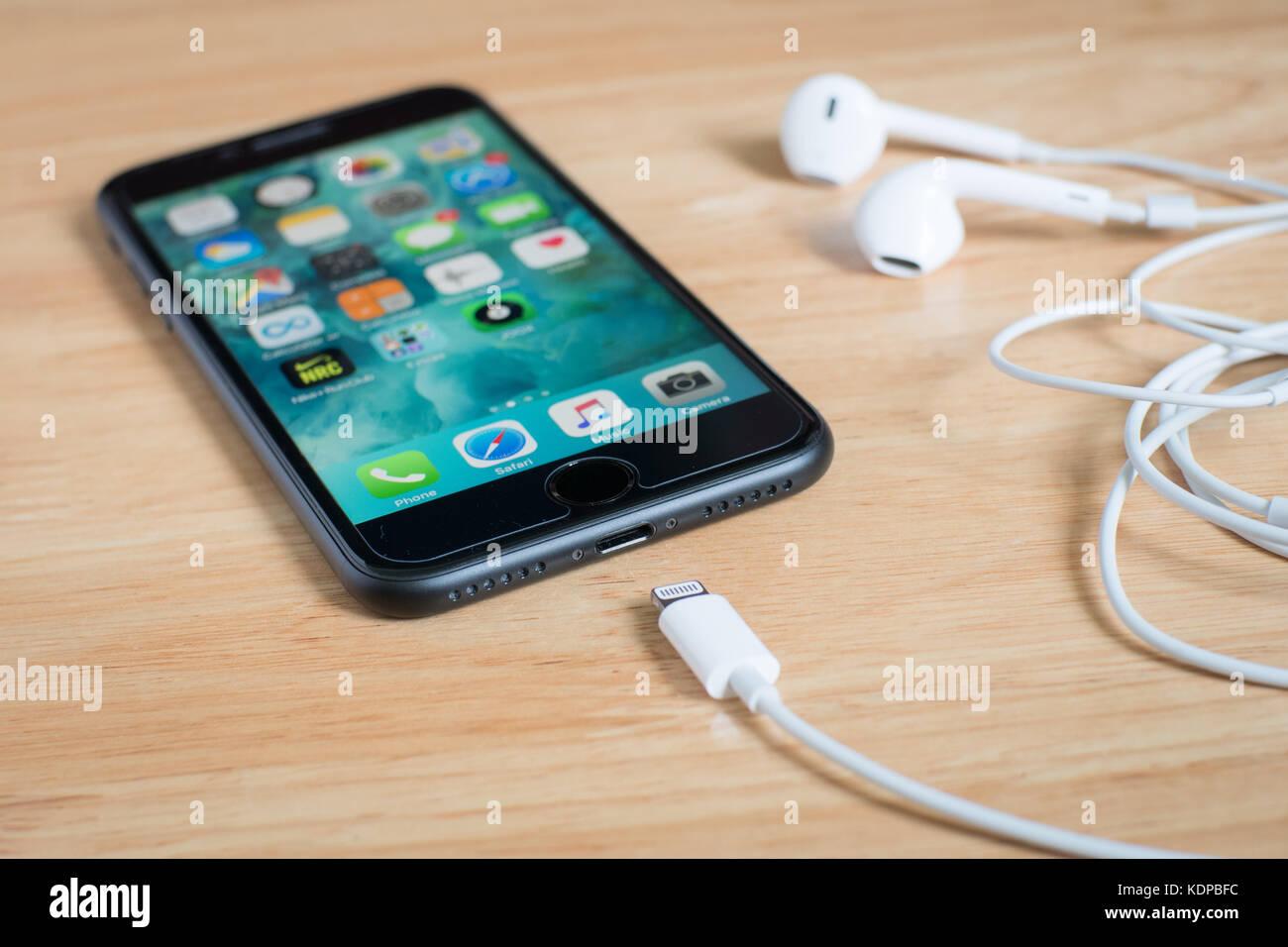 Bangkok Tailandia 15 Ottobre 2017 Apple Iphone 7 Con Connettore