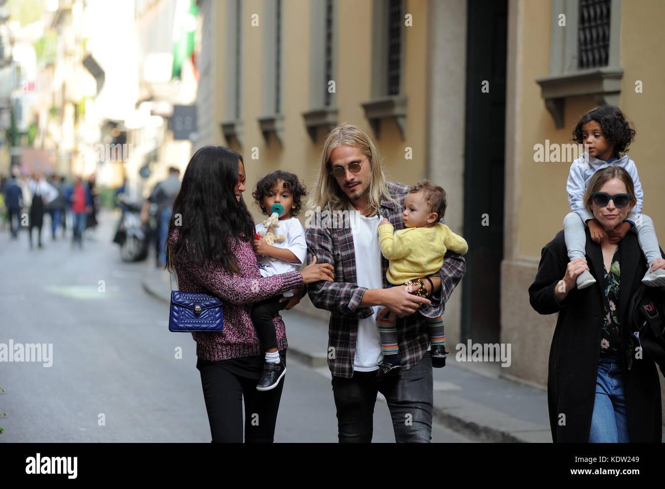 Pranzo Per Marito : Milano zoe saldana e il marito marco perego con tre bambini a