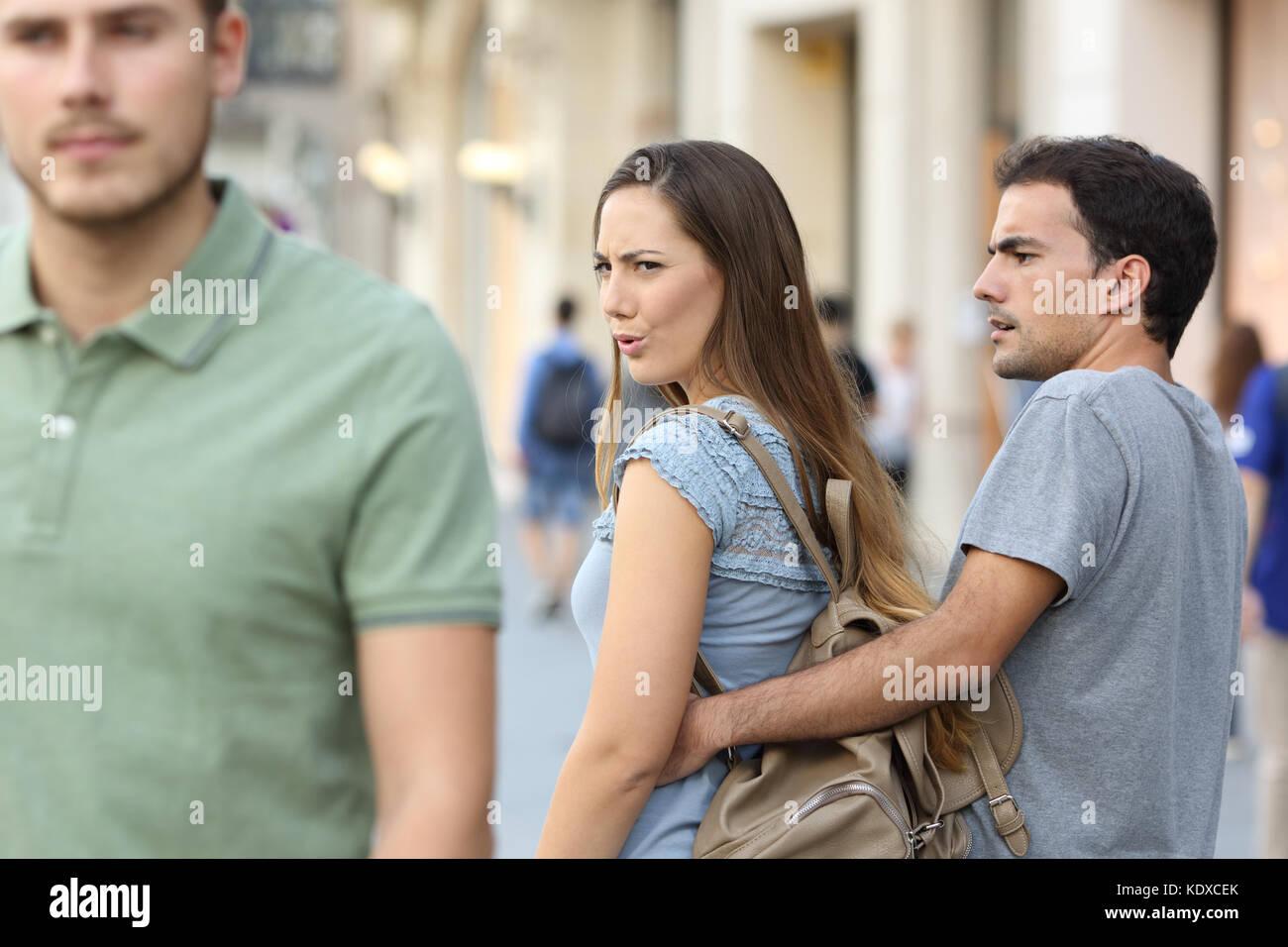 Datazione donna con fidanzato