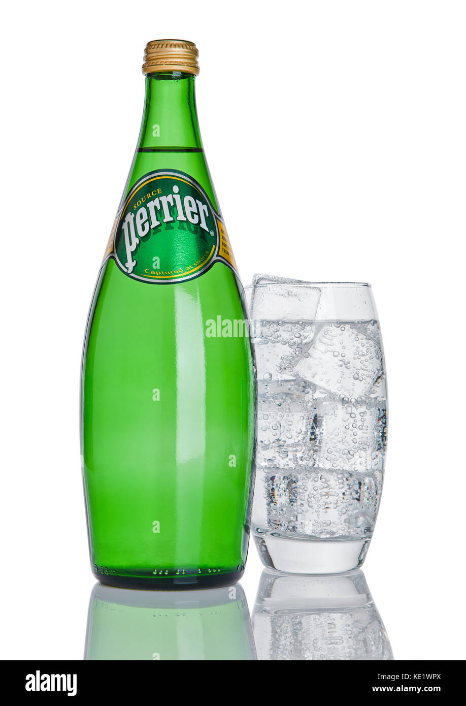 Perrier water immagini perrier water fotos stock alamy for Bottiglia in francese