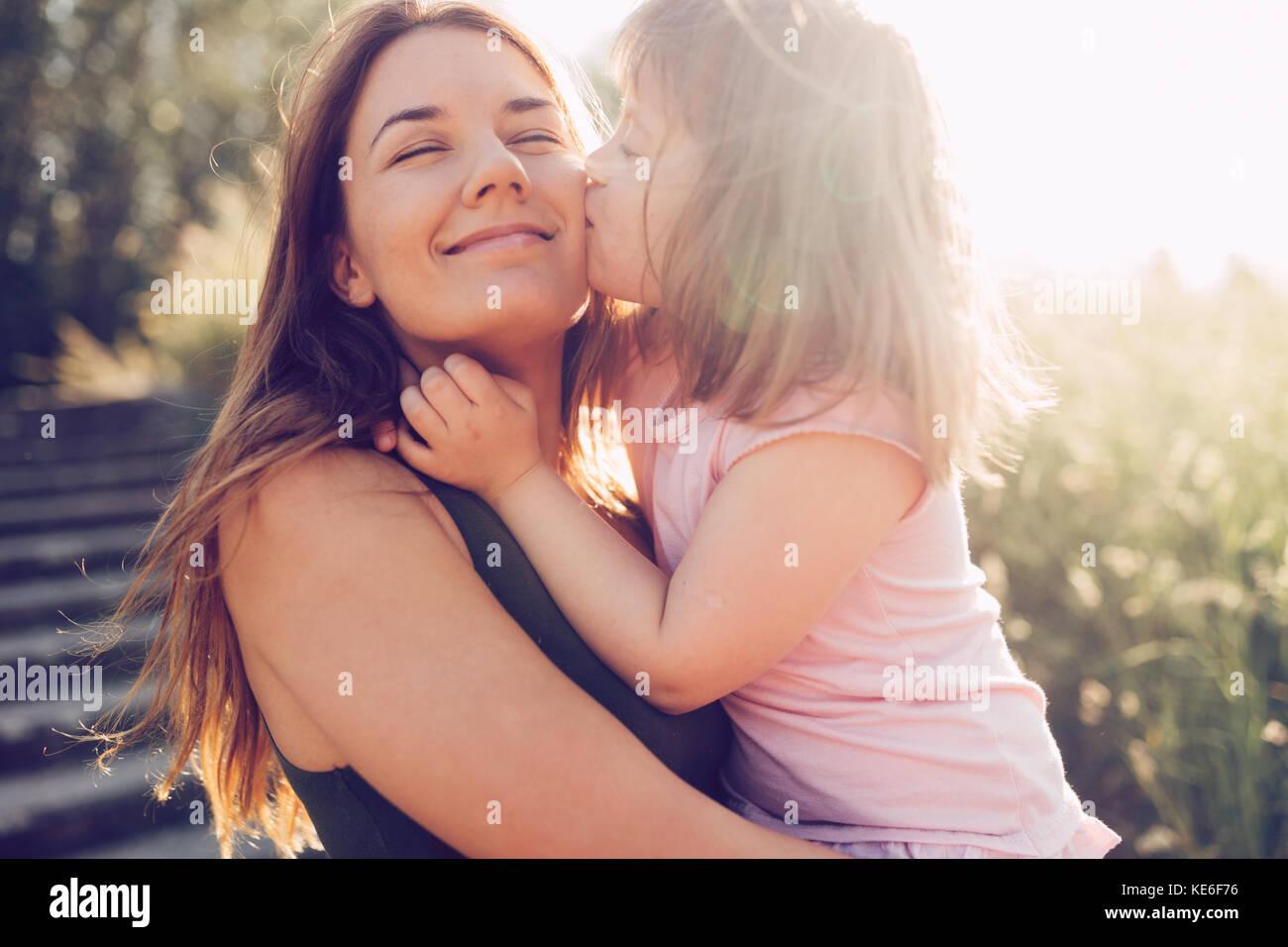 Immagine della madre e del bambino con bisogni speciali Foto Stock