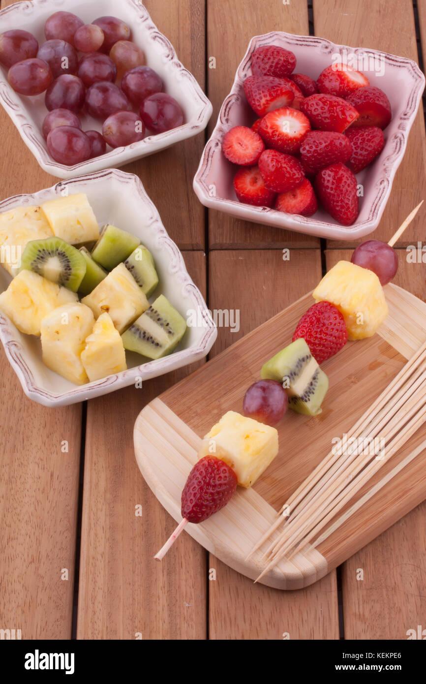 Spiedino di frutta Immagini Stock