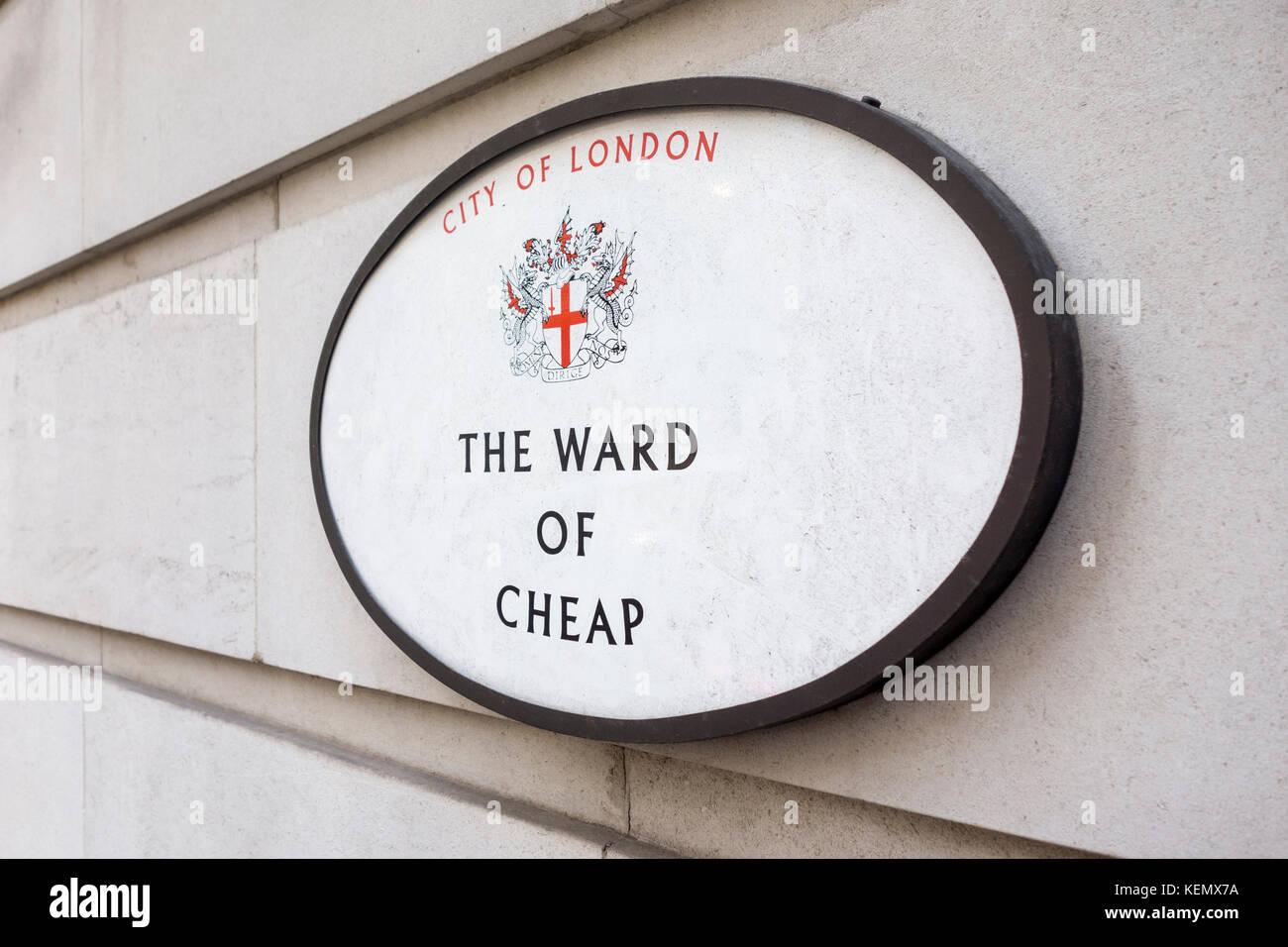 Segno per il reparto di a buon mercato, città di Londra, Regno Unito Immagini Stock