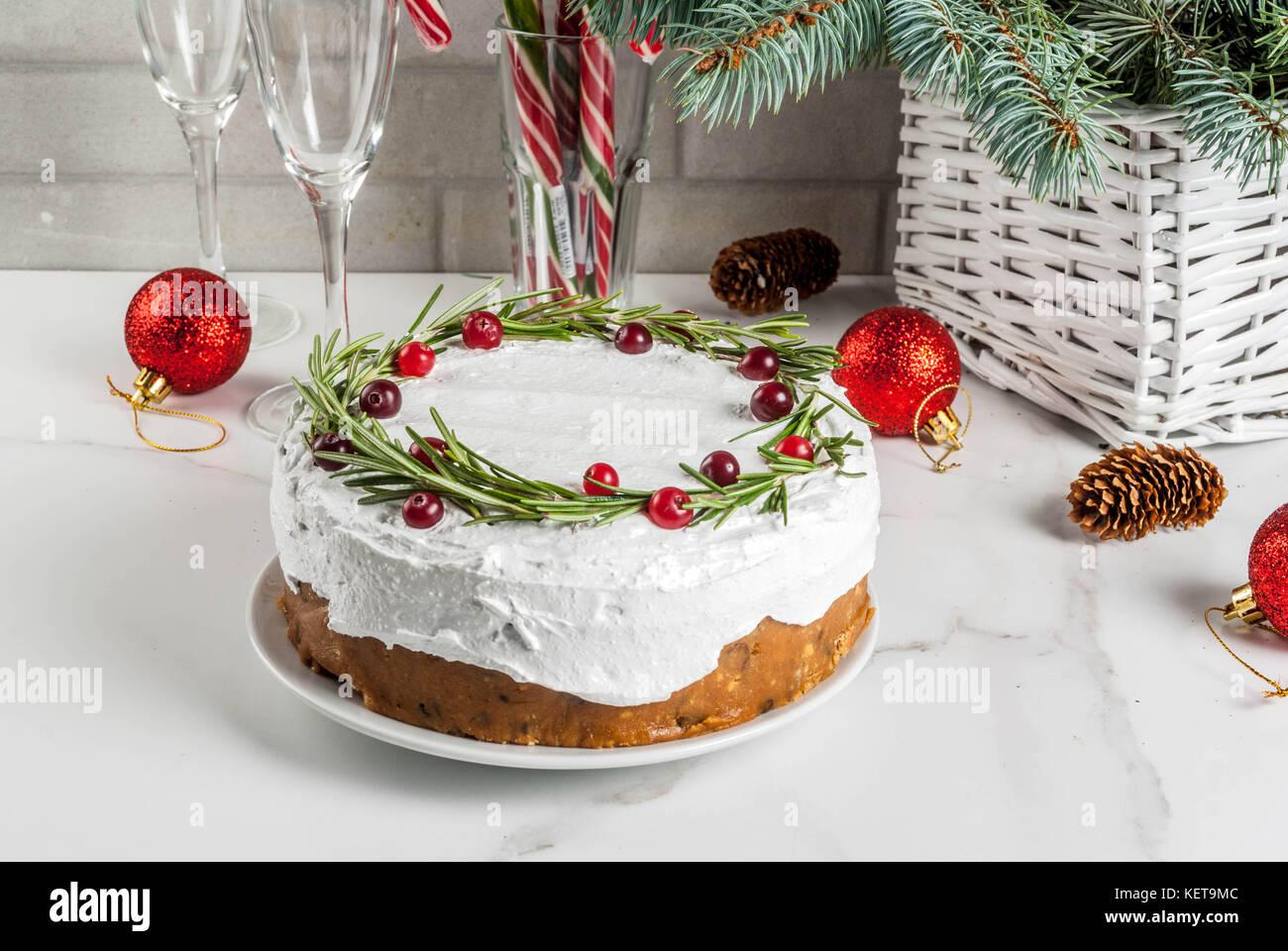 Natale Torta Di Frutta O Budini Decorata Con Rosmarino E Cranberry