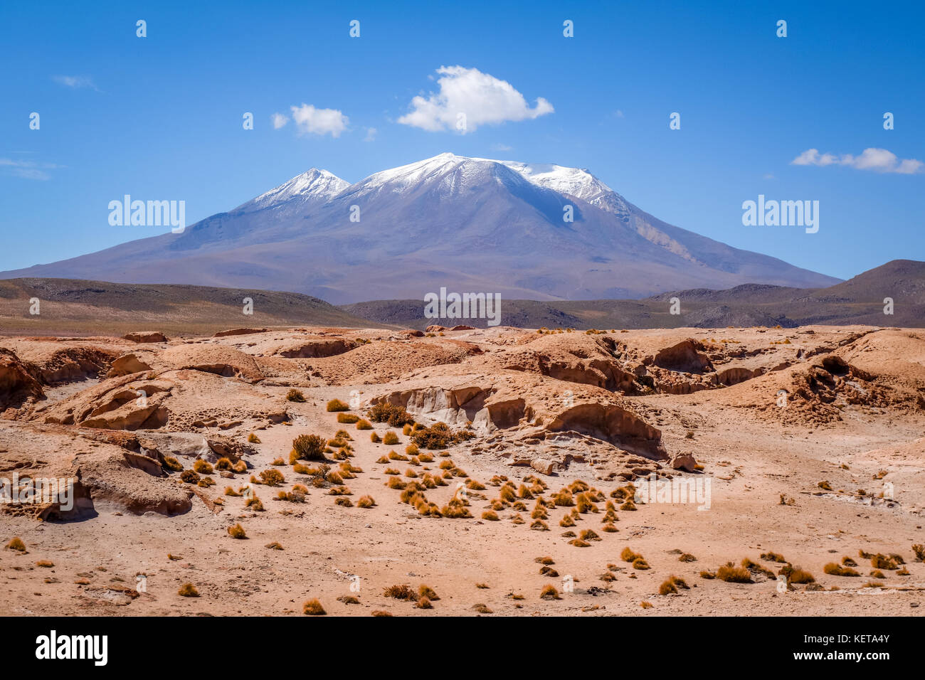 Montagne e il paesaggio del deserto in sud lipez altiplano, Bolivia Immagini Stock