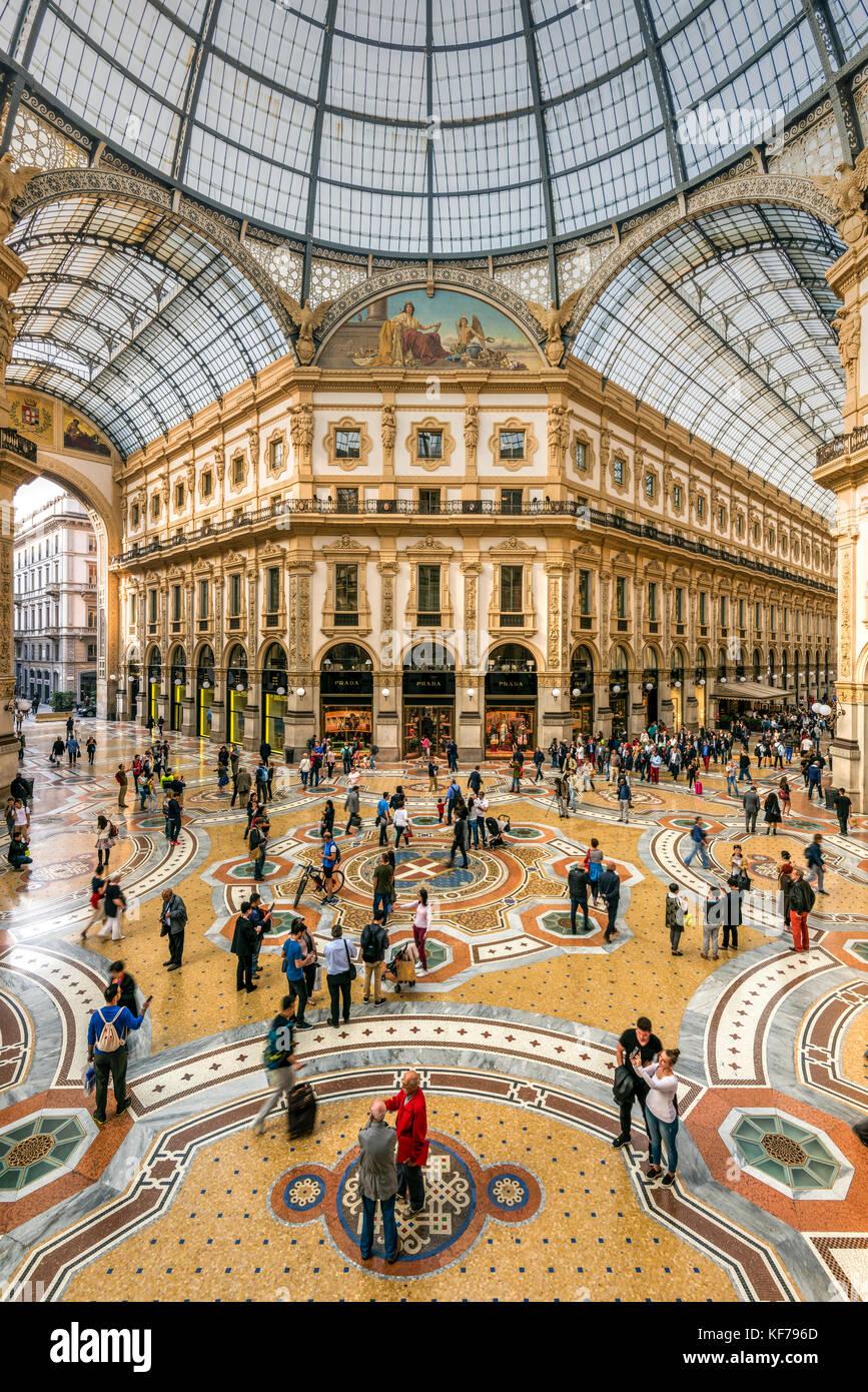Galleria Vittorio Emanuele II shopping mall, Milano, Lombardia, Italia Immagini Stock